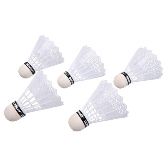 Badminton shuttles wit