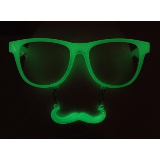 Groene brillen met snor glow in the dark