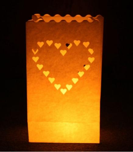 Feestartikelen diversen 10x Candle Bags met harten sjabloon