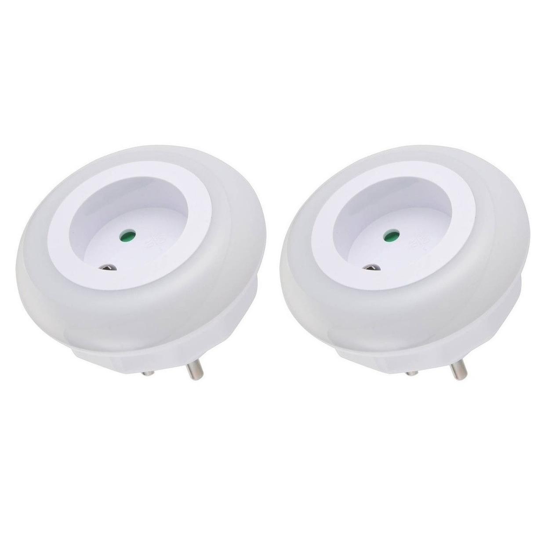 2x Nachtlampjes met LED sensor voor in stopcontact