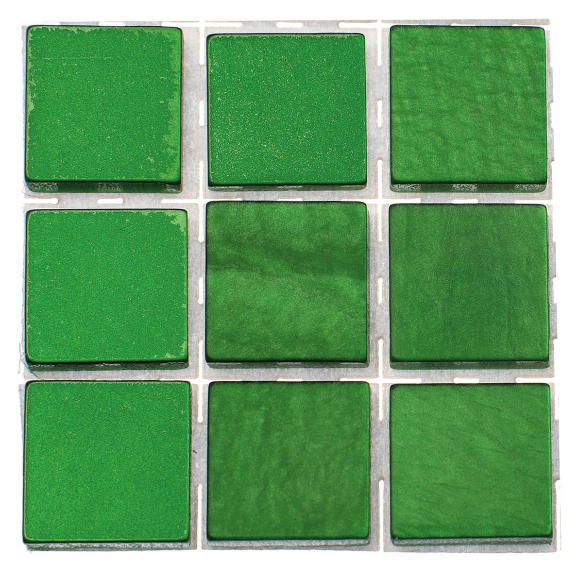 63x stuks mozaieken maken steentjes-tegels kleur groen 10 x 10 x 2 mm