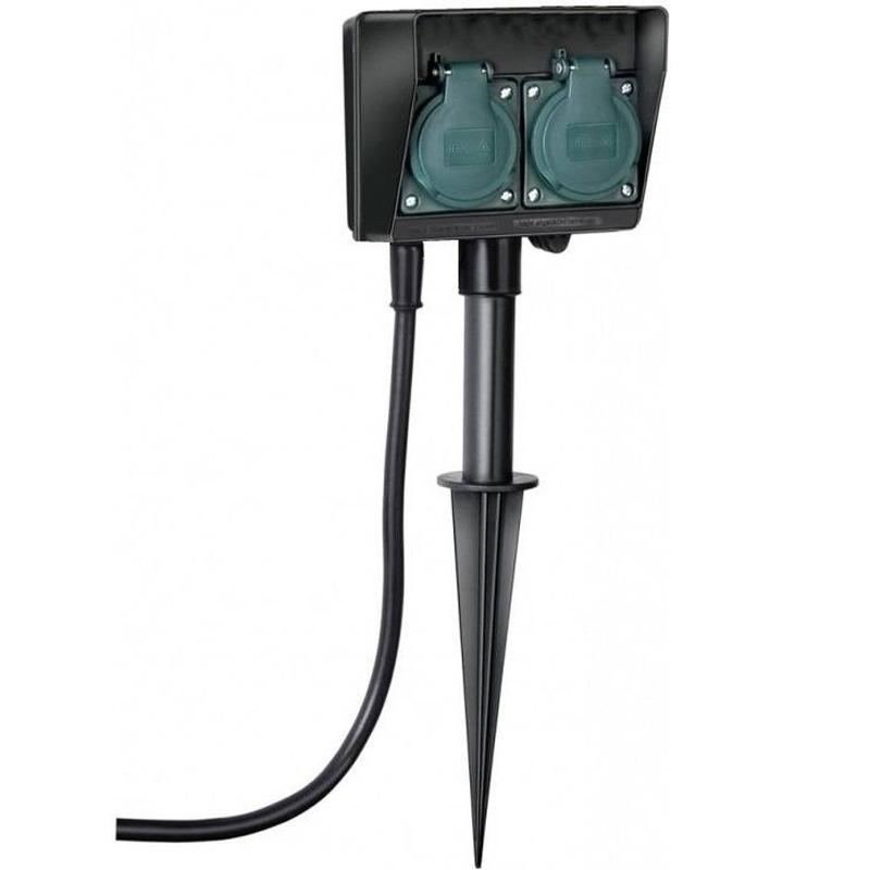 Buiten stekkerdoos-stopcontact op spies dubbel